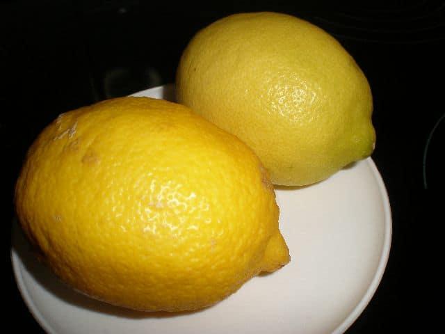 2 Limones - Ostras rizadas al natural
