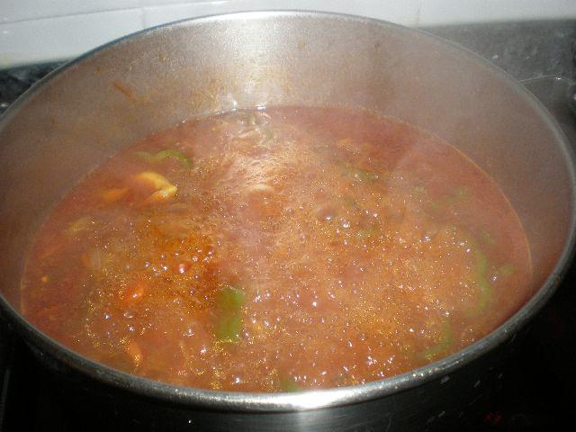 Cocinar costillas fritas estofadas