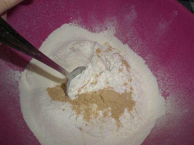 Mezclar jengibre con la harina