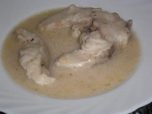 Congrio en salsa blanca