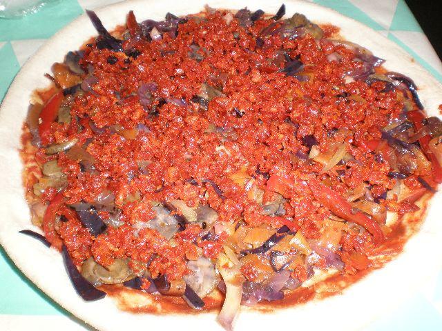 Pizza ocho verduras y chorizo