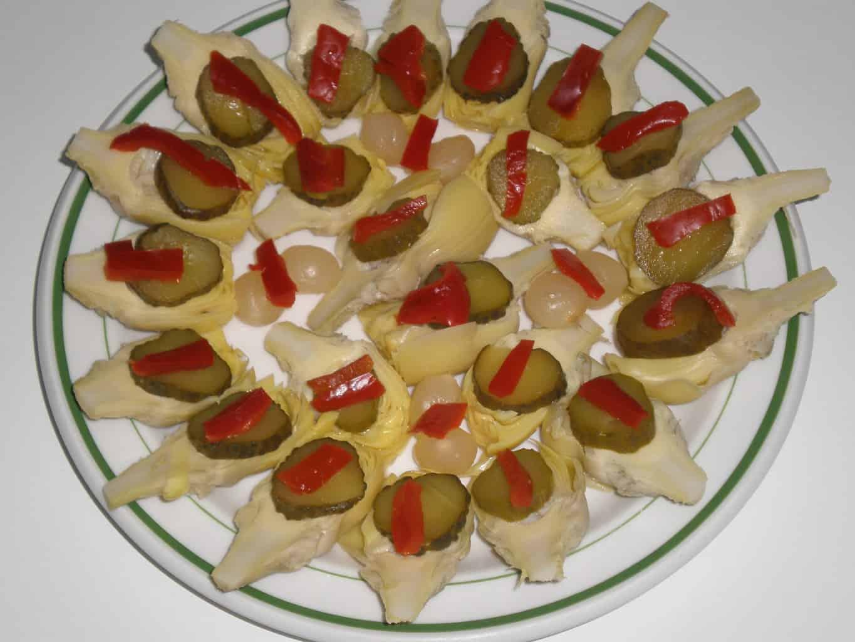 Alcachofas con pepinillos