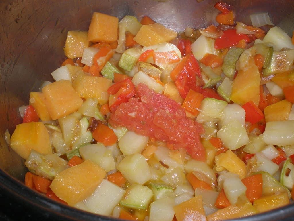 Añadir el tomate pera triturado