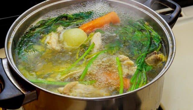Hervir la comida es una de las mejores formas Saludables de Cocinar Alimentos