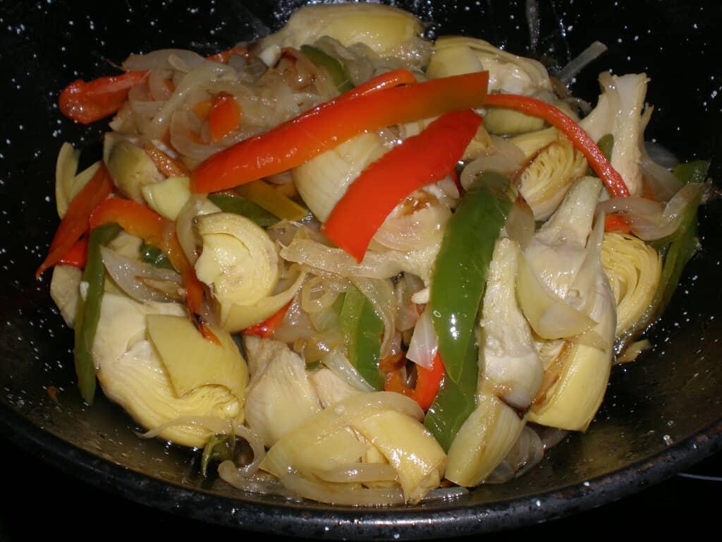 Alcachofas con pimientos