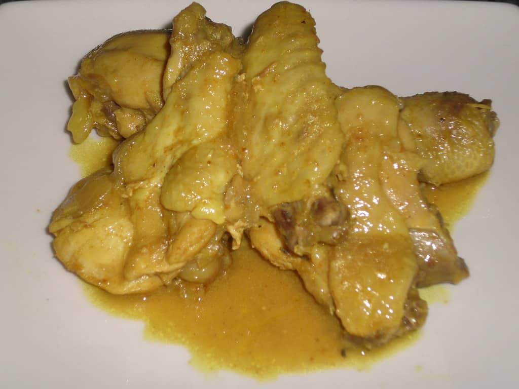 Pollo con vinagreta de curry