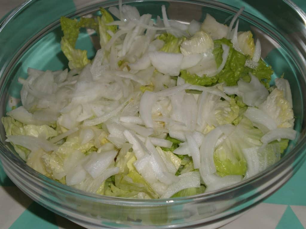 Ensalada lechuga y cebolla